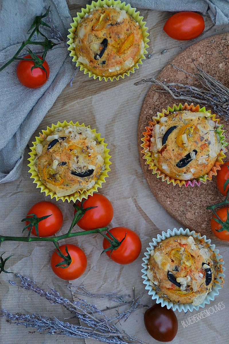 Muffins-salados-de-aceituna-tomate-hierbas-Blueberries-and-Olives-8.jpg