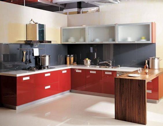 прост кухненски интериор U