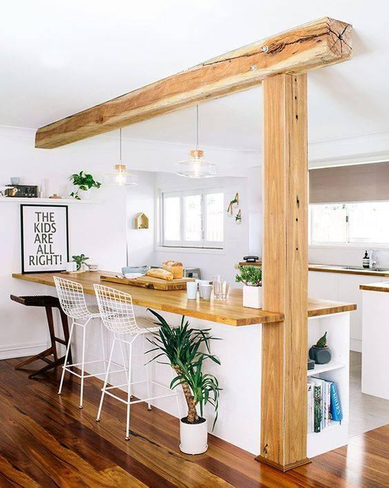 украса проста дървена кухня
