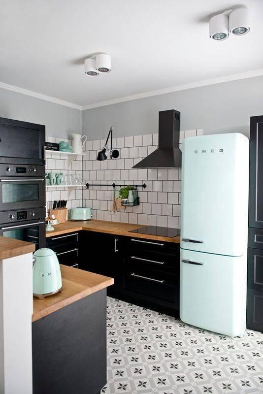 проста украса старата кухня
