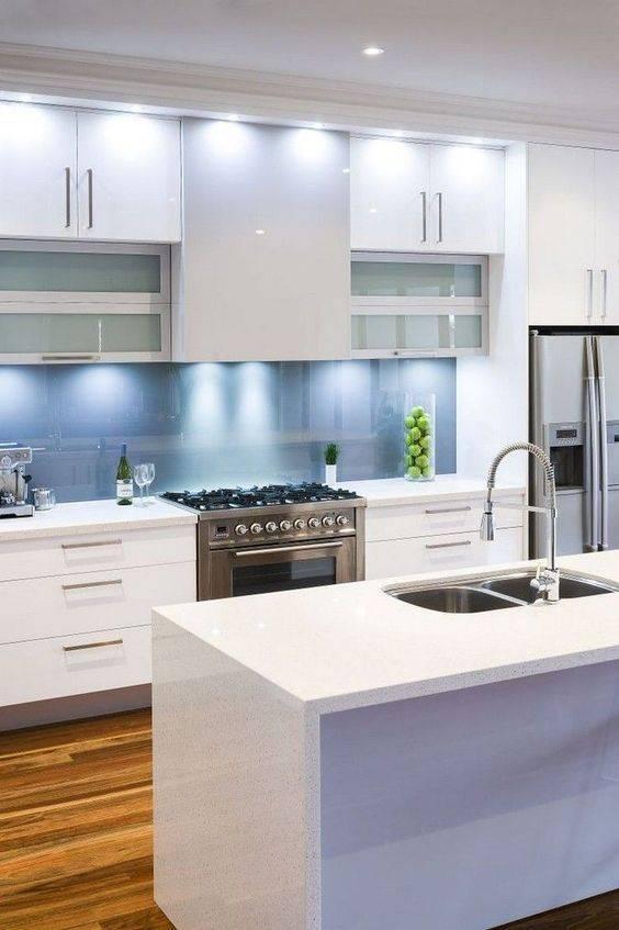 украса проста бяла кухня