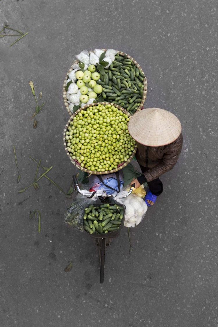 Vendors from Above - Loes Heerink