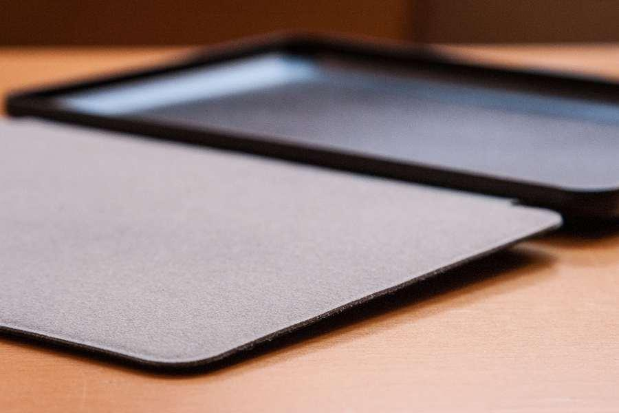 Tsing Funda Kindle Paperwhite detalle fieltro acabado interior