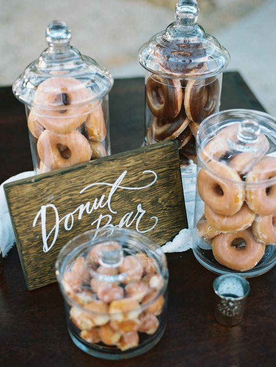 Donut bar para bodas. Candy bar. Ideas de boda. Blog de bodas.