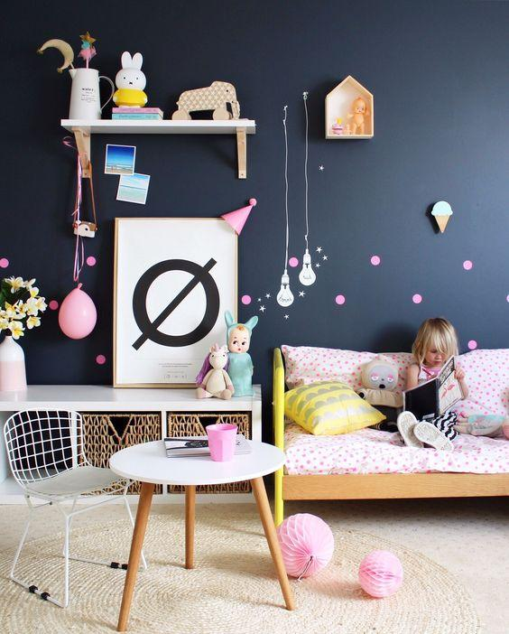 Últimas_tendencias_de_color_para_paredes_infantiles_decoración_cómo pintar paredes-azul-intenso-04