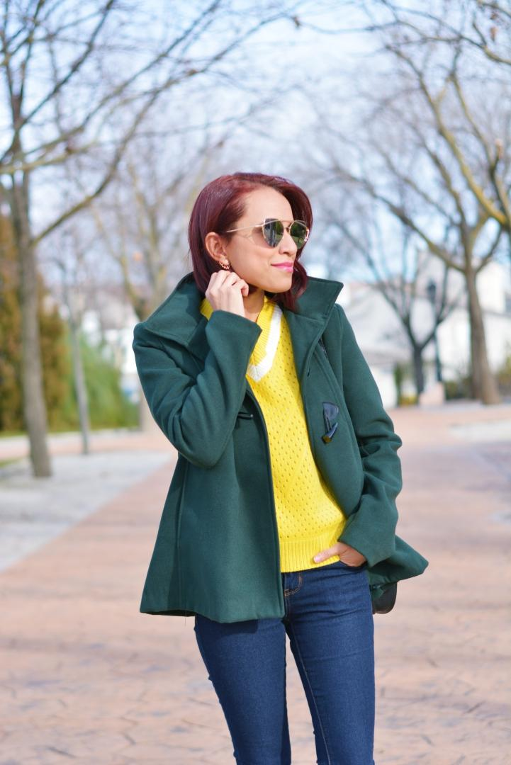 Casual look con sueter amarillo