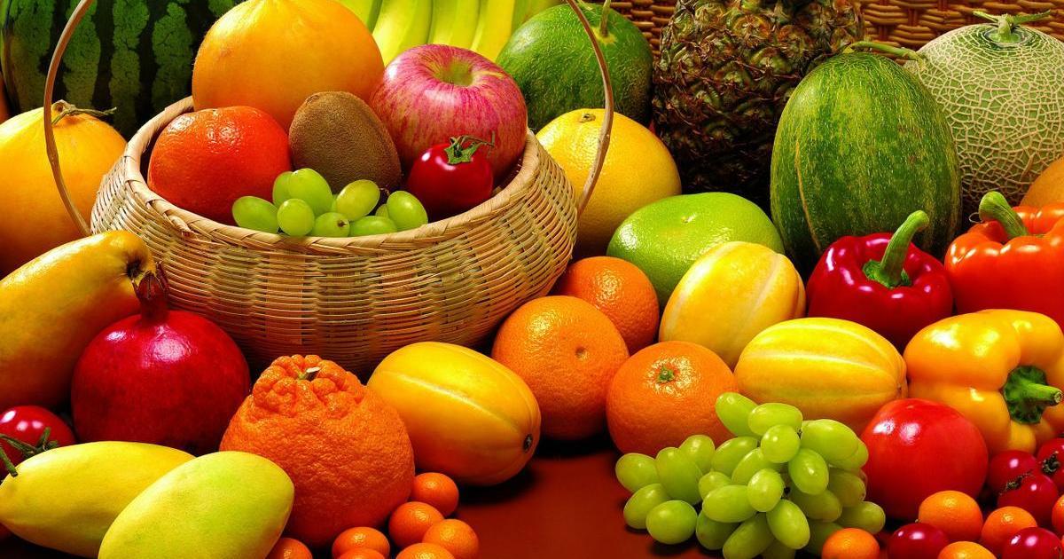 Comer fruta por la noche... ¿engorda?