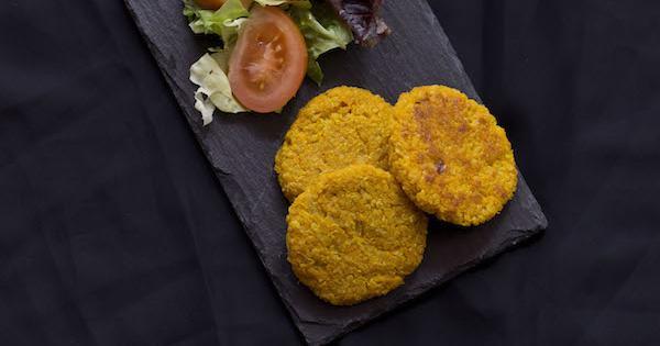 Hamburguesas vegetarianas de boniato y quinoa. ¡Te sorprenderá su sabor!