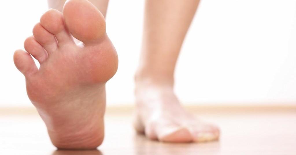 Consigue unos pies como la seda con este remedio casero