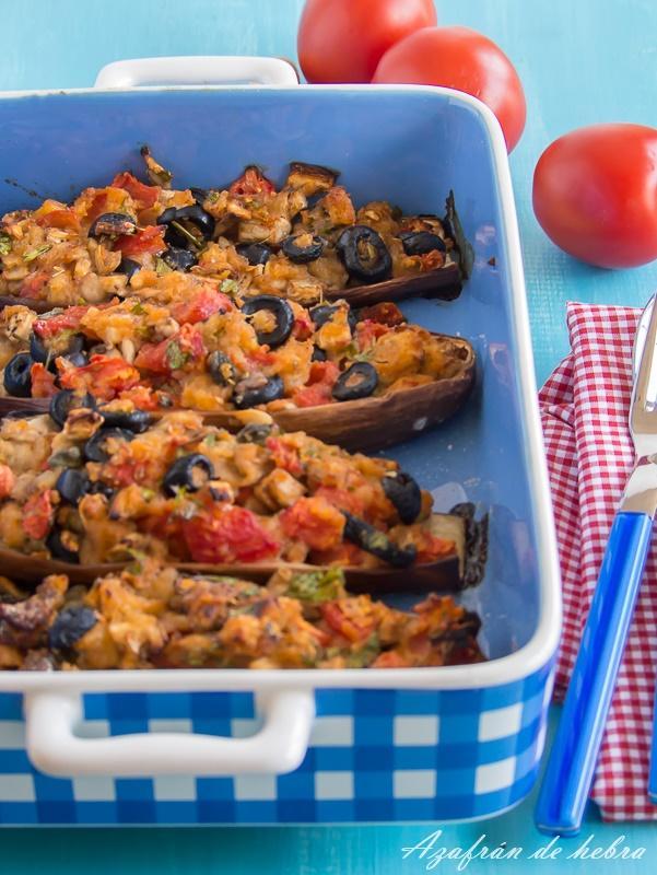 Berenjenas a la napolitana, con anchoas, alcaparras y aceitunas