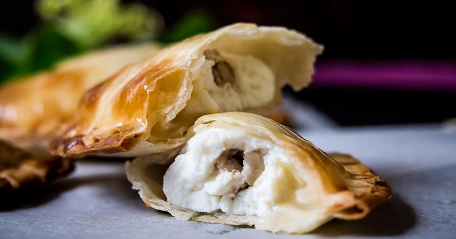 Si te gusta el queso, te encantarán estas empanadillas: llevan ricota y gorgonzola, y también nueces