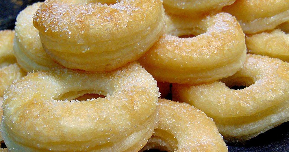 Rosquillas de hojaldre y azúcar: de aspecto perfecto y de sabor aún mejor