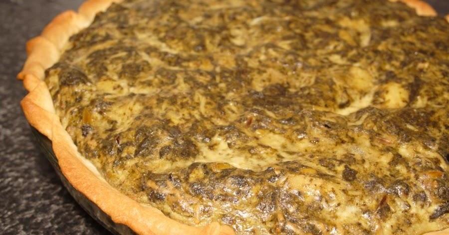 Una quiche original de morcilla, espinacas y manzana
