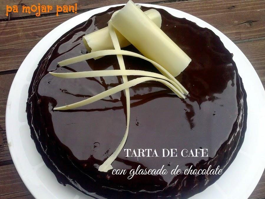 Tarta de café con glaseado de chocolate
