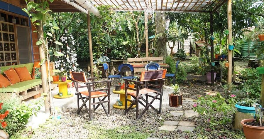 Decorando el patio con material reciclado y low cost