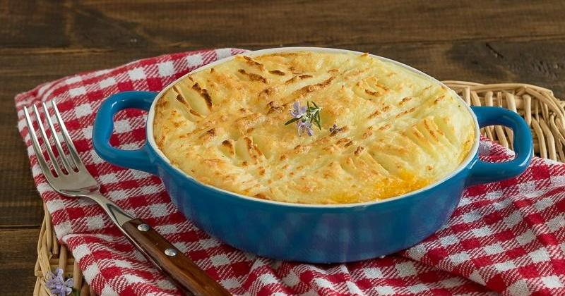 Preparamos un clásico: Pastel de carne y puré de patatas