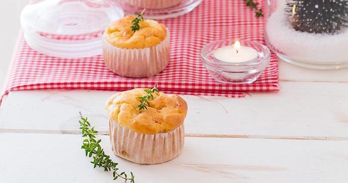 Muffins de tomate, queso y tomillo, bajos en calorías