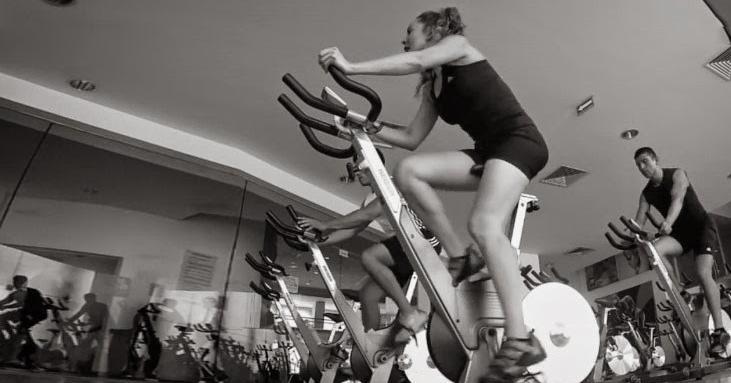 Fabulosa rutina de cardio en bicicleta para aumentar el metabolismo en tan solo 10 minutos