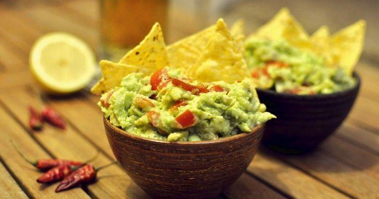 Salsa guacamole con todo detalle