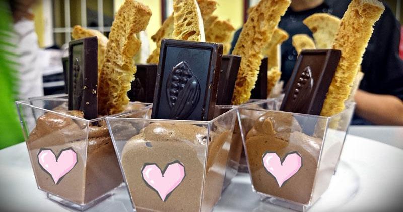 Vasitos de mousse de chocolate para San Valentín
