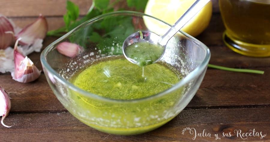 Cómo hacer salsa de ajo, limón y perejil para pescados