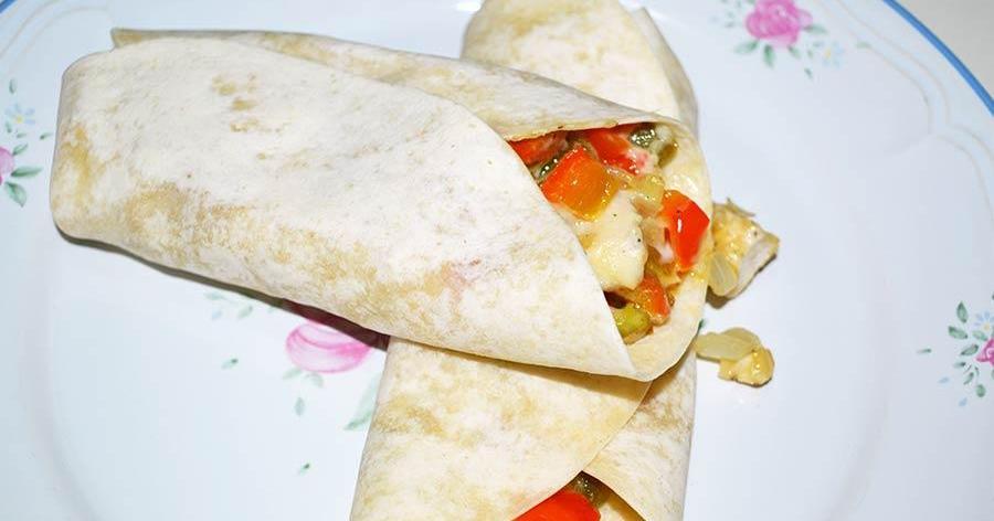 Burritos de pollo con queso