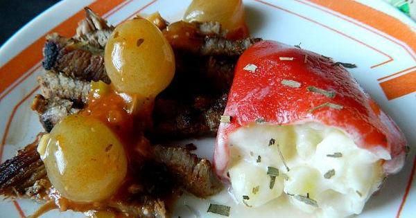 Chuletas de cerdo en salsa de uvas