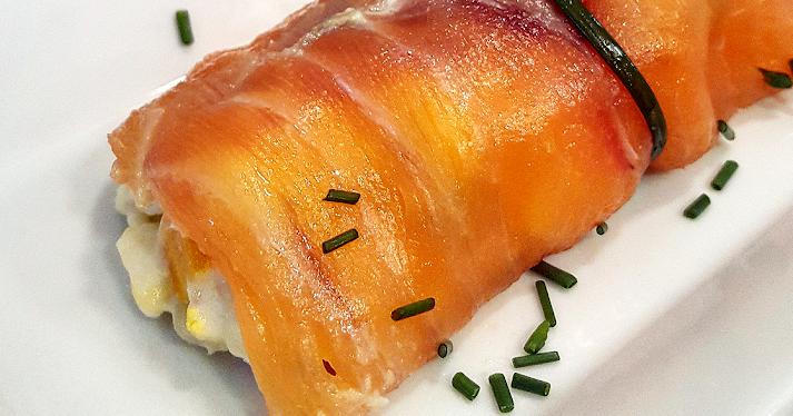 ¡Increíble! Prueba la ensaladilla en rollitos de salmón