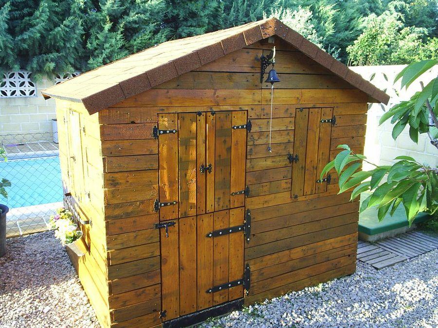 Casita para los ni os de jard n hecha con palets bricolaje for Oferta casita jardin ninos