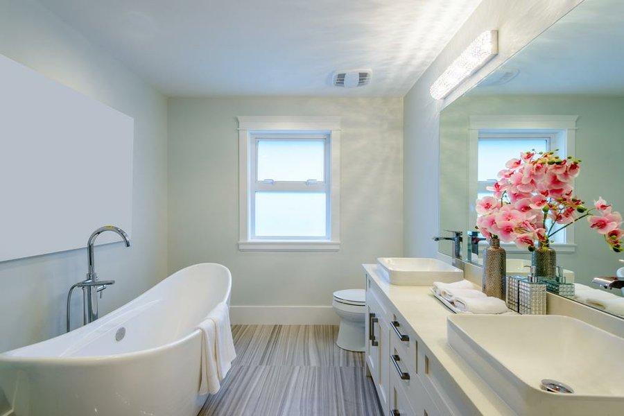 Cómo quitar los restos de jabón y cal de la ducha