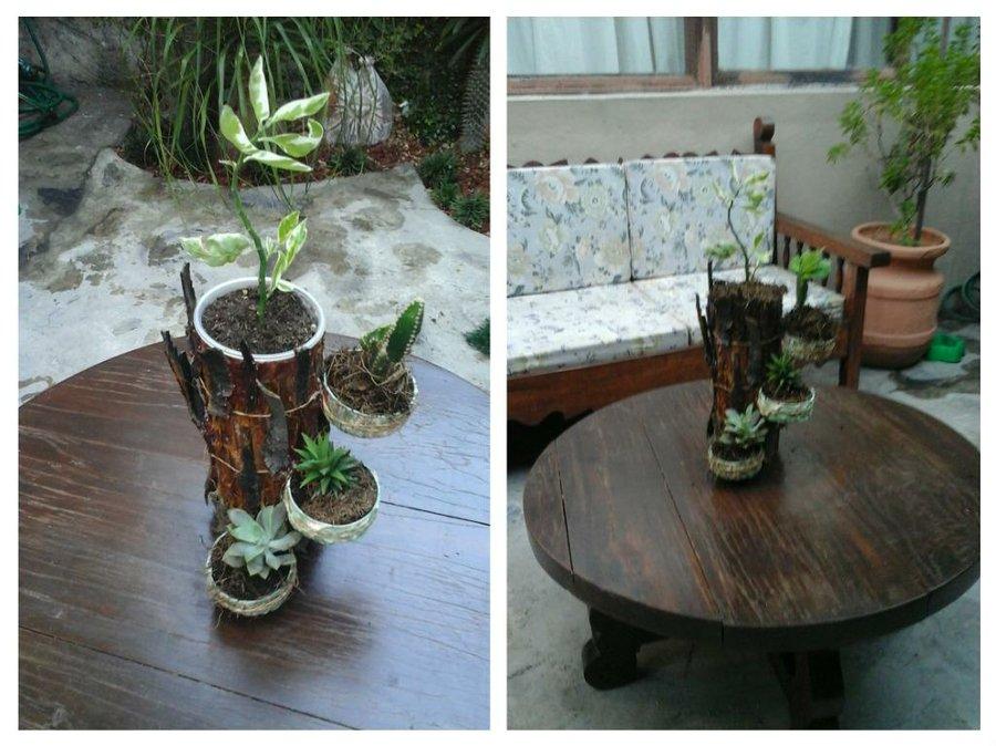 Macetero imitaci n tronco con latas de at n manualidades - Decorar jardines con materiales reciclados ...