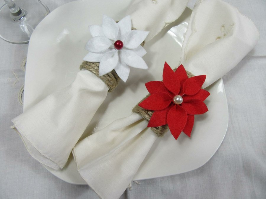 Servilleteros navide os con tubos de papel higi nico for Cuales son los adornos navidenos