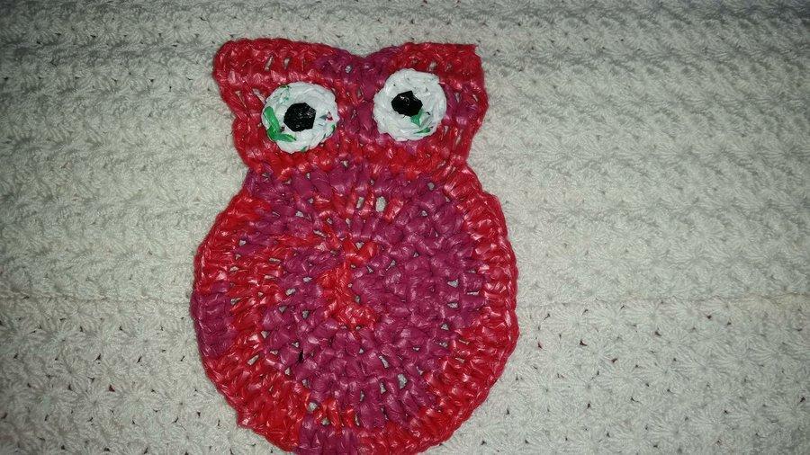 Búho a crochet utilizando bolsas de plástico | Manualidades