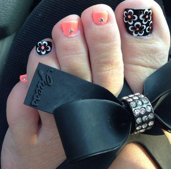 fuente uas decoradas pies