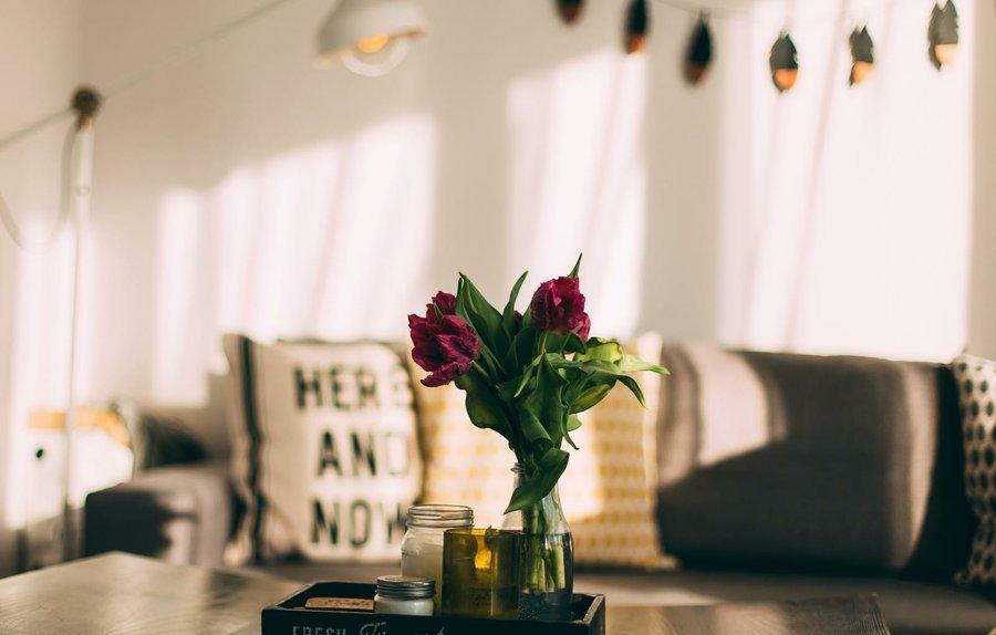 Ideas y manualidades low cost para decorar tu casa for Ideas economicas para el hogar