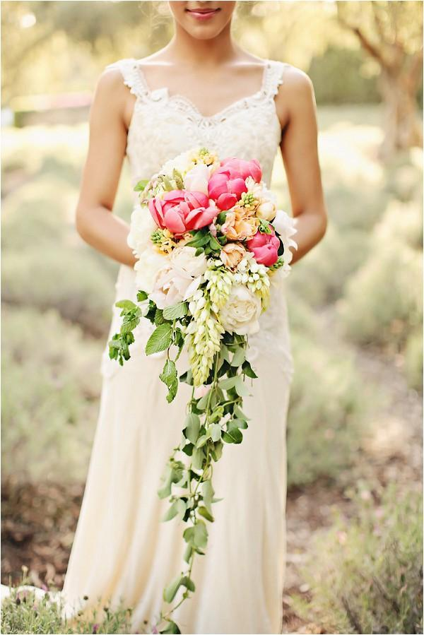cascading-bouquet-Brandi-Smyth-Photography
