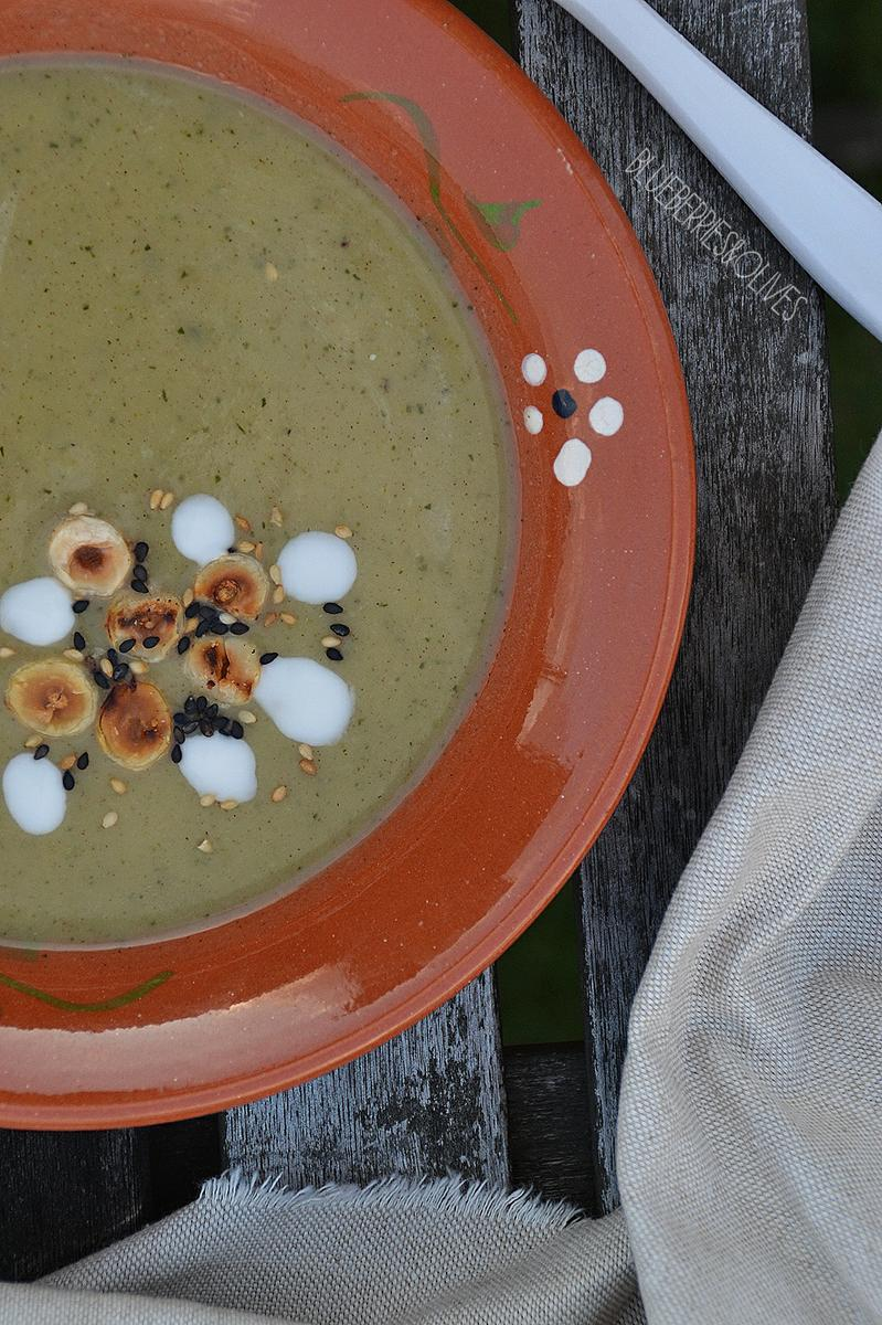crema-de-calabacin-asado-con-canela-blueberries-and-olives-2