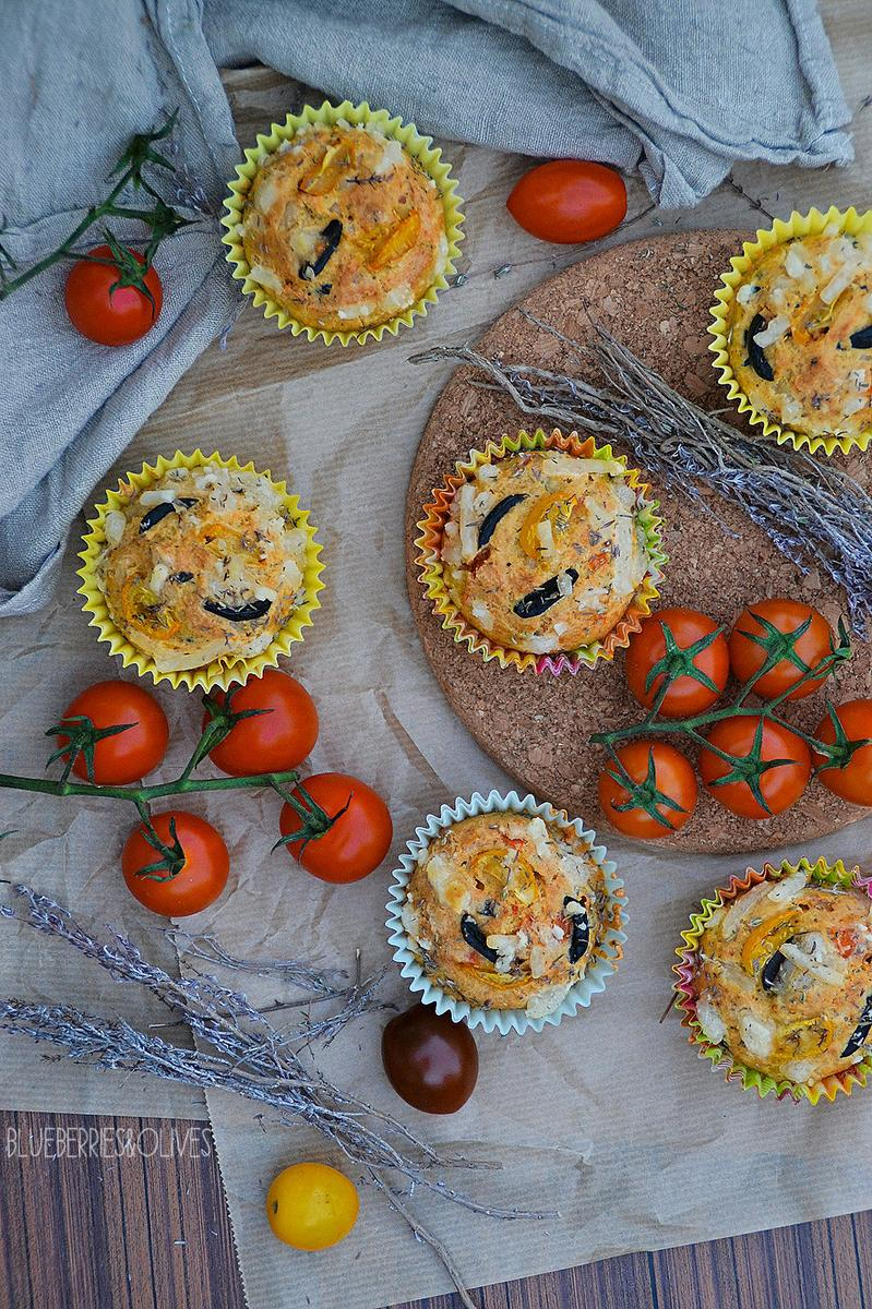 muffins-salados-de-aceituna-tomate-hierbas-blueberries-and-olives-2