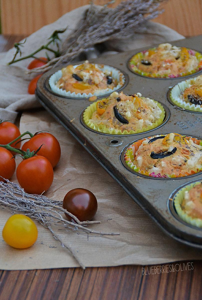 muffins-salados-de-aceituna-tomate-hierbas-blueberries-and-olives-6