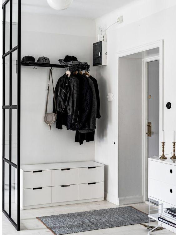 Puerta de entrada de estilo minimalista