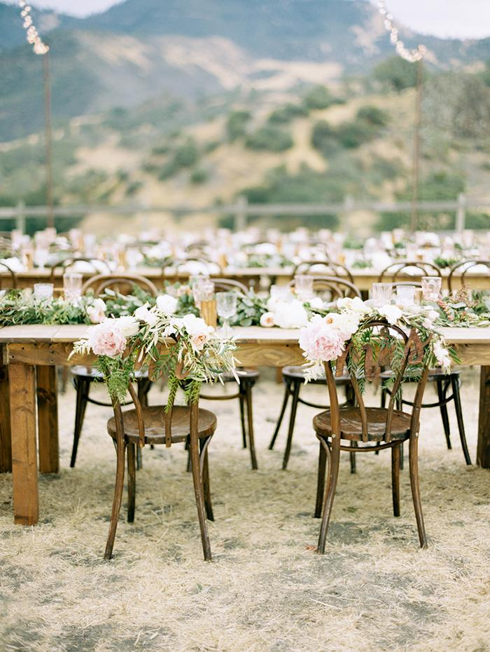 14-country-outdoor-wedding-reception