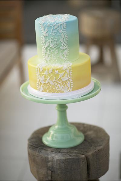 spring-wedding-cakes-loverly-mike-colon-wedding-chicks