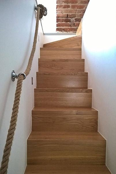 08-escaleras-wood-stairs