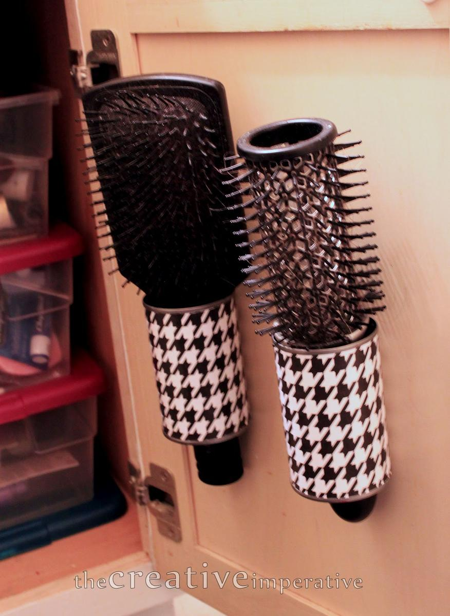 hanging-hairbrush-storage-from-tin-cans