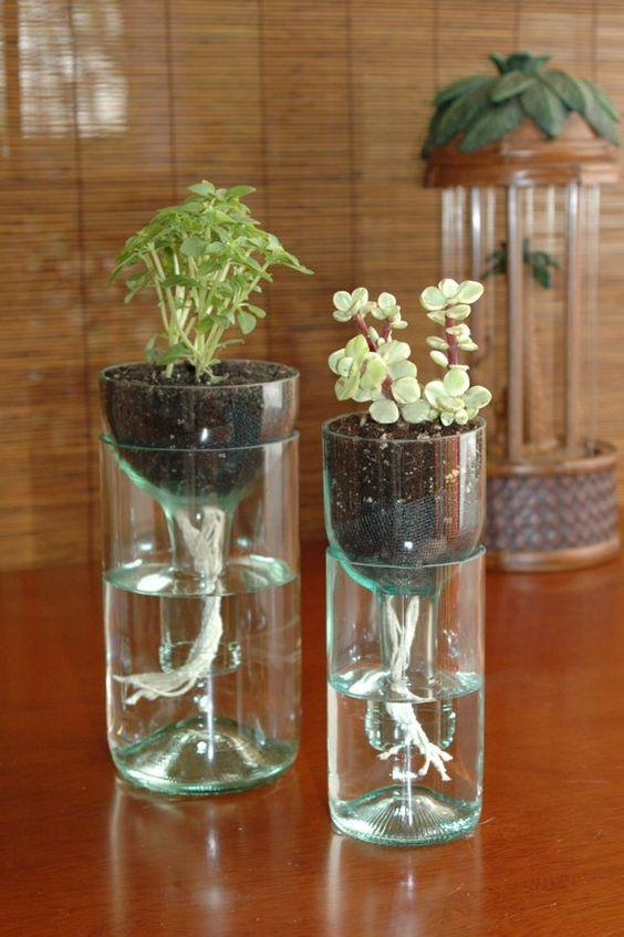 decorar objetos reciclados con botellas
