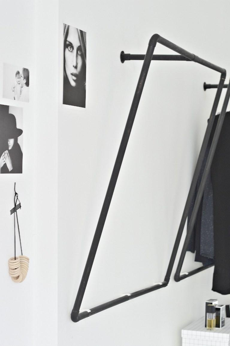 04 clothes-hanger-diy-ideas