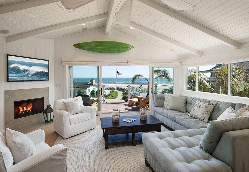 ashton-kutcher-and-mila-kunis-just-bought-the-ultimate-beachside-retreat-ashton-kutcher-and-mila-kunis-just-bought-a-new-beach-house-59499ad1f19e3c408811a6f9-origin