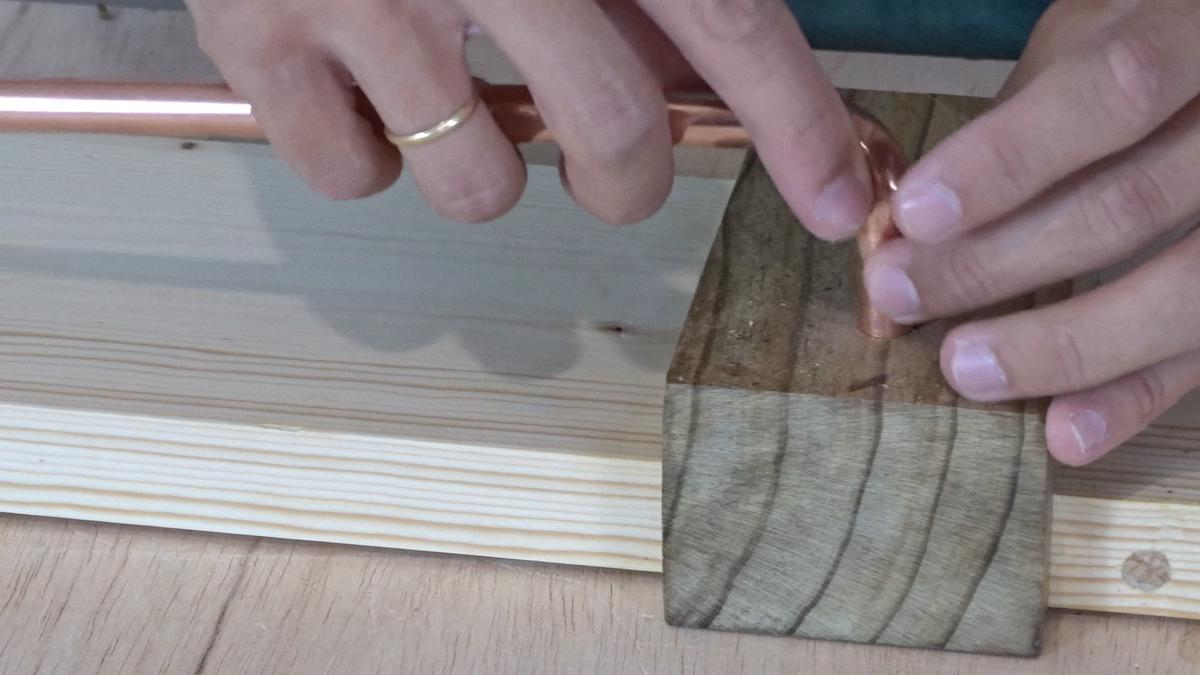 Como hacer un toallero de madera | DIY towel holder 14