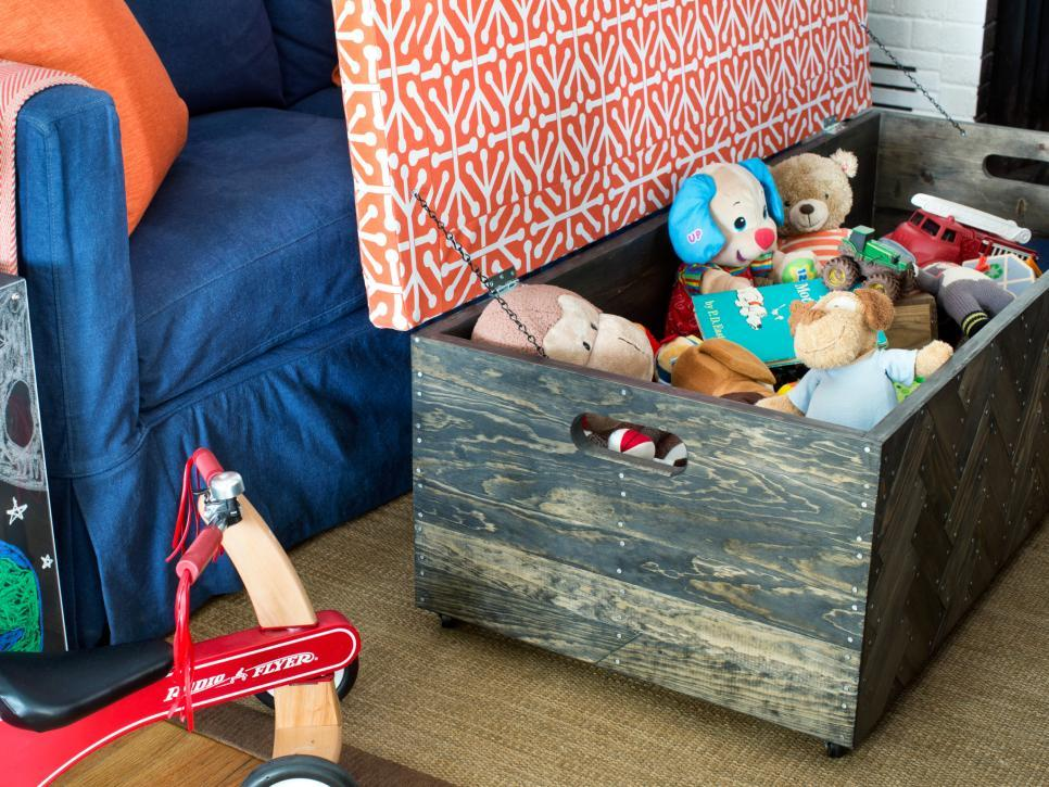 BPF_original_pet-friendly-living-room_toy-box-ottoman_h.jpg.rend.hgtvcom.966.725