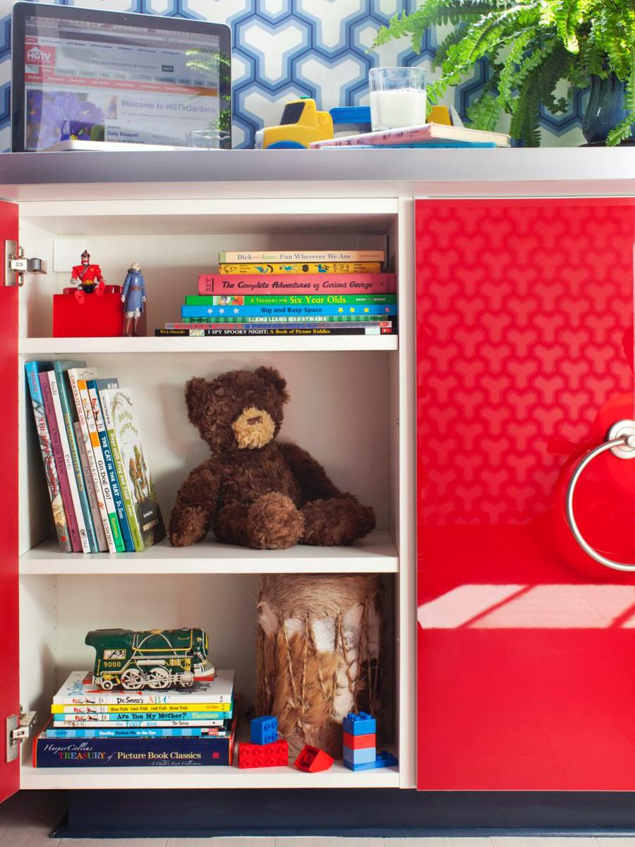 Original_Brian-Patrick-Flynn-red-boys-bedroom-toy-storage_s3x4.jpg.rend.hgtvcom.966.1288